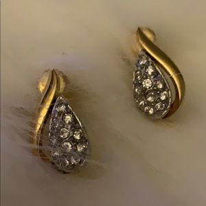 Bundle 4 for $25 Vintage Teardrop Crystal Earrings